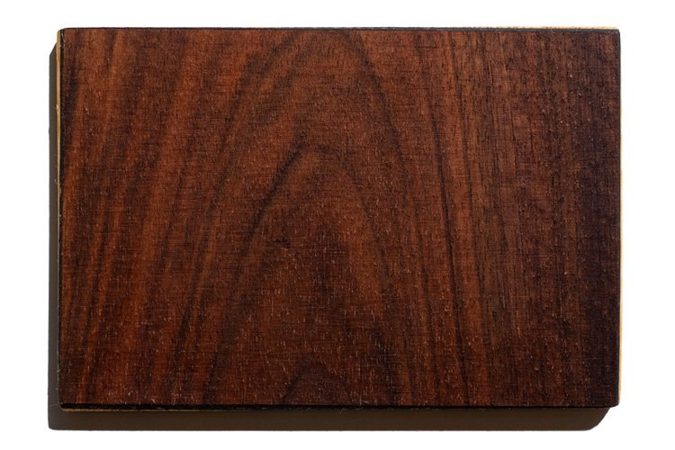 walnut wood is one of the finish of the sandyshapes snowboards