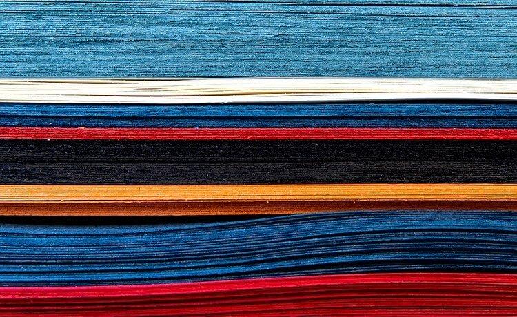 materia prime per le finiture in legno di diversi colori