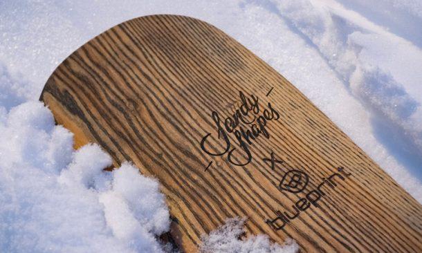 sandy shapes snowboard personalizzato con tecnologia laser che incide sul topsheet in legno