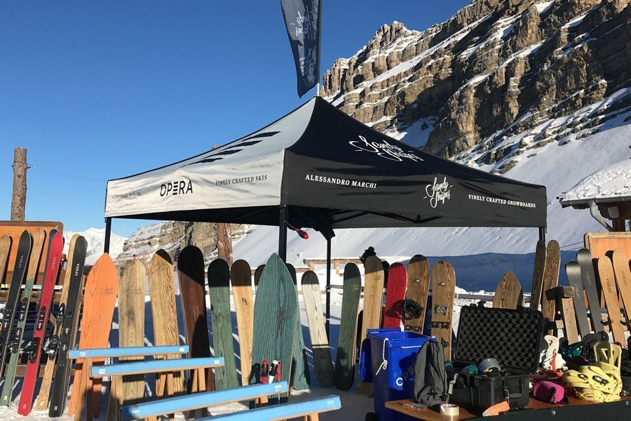 stand Sandy Shapes ad un evento demo - test snowboard
