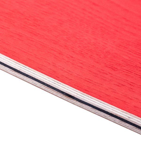 Strati di legno certificato di un Surfskate Sandy Shapes, color frassino rosso